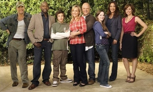 """No Ordinary Family"" won't save superhero television"