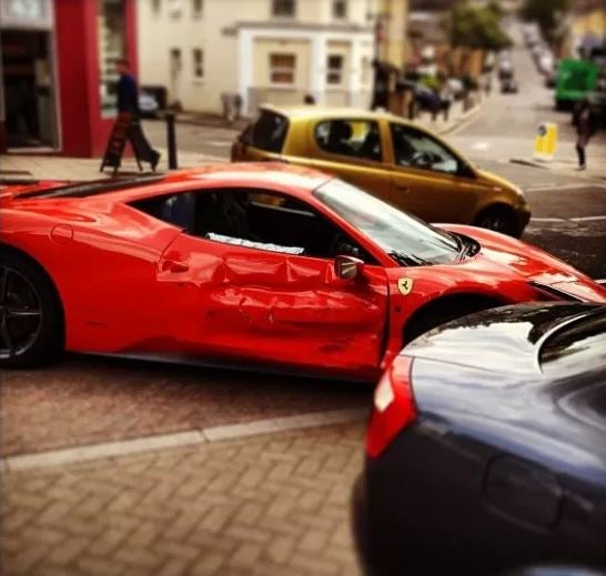 Ferrari 458 Italia Dice in London Does Not End Well