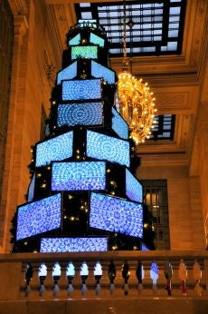 26-Foot Tall Christmas Tree Made of 43 Sharp TVs