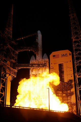 US Spy Satellite Is the Largest Satellite In the World