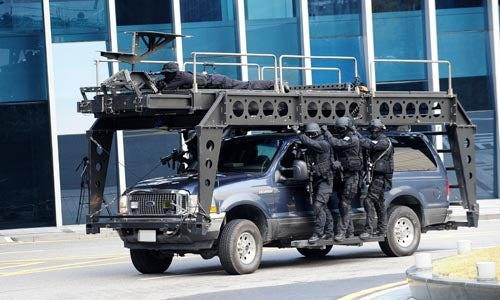 How A SWAT Team Hangs Out