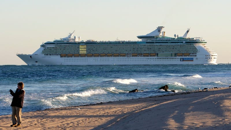 Mysterious Cruise Ship Plague Has Ruined Caribbean Vacay for 281 People