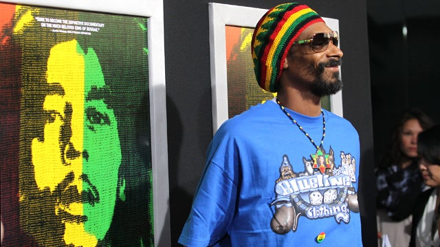 Snoop Dogg to Release Reggae Album as Snoop Lion, Make Everybody Listen to Reggae Again