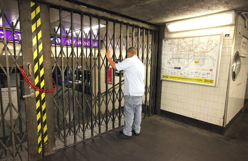 London Tube Strike Live Blog Offers Tips on Proper Swearing