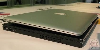 Thinnest Notebook Showdown: Voodoo Envy 133 vs. MacBook Air