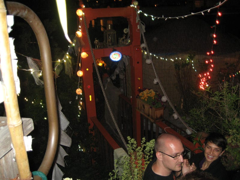 Pownce founders party in pot-laden pleasure palace