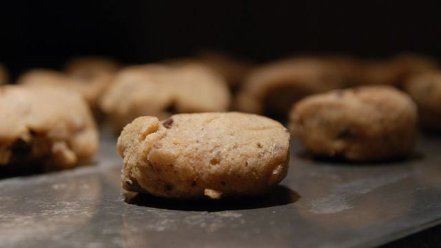 Should there be E. coli warnings on cookie dough packages?