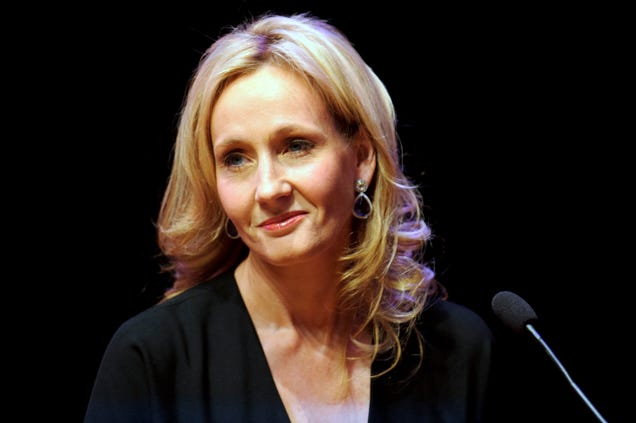 JK Rowling Confirms 'Of Course' There Were LGBT Students At Hogwarts