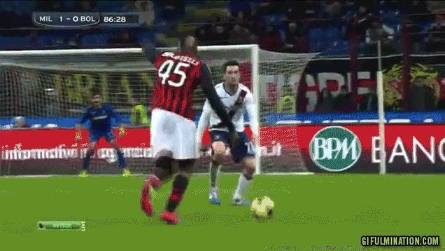 Mario Balotelli Kicks Ball Really Hard
