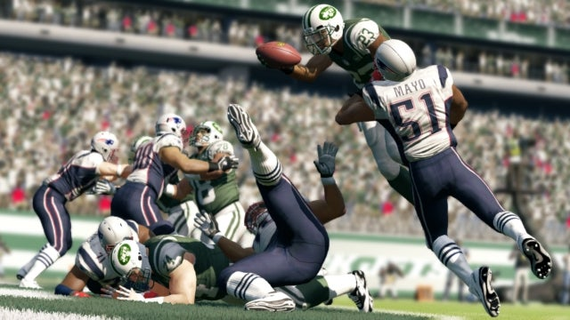 Madden 13 is Mostly Law-Abiding in Its Physics—Though It Does Jaywalk at Times