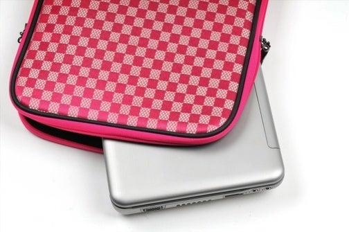 Artmu Laptop Sleeve 'Transforms' Into a Mouse Pad