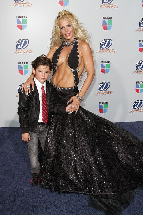 Boobage. Glitz. Death Stares. It's The Univision Red Carpet!