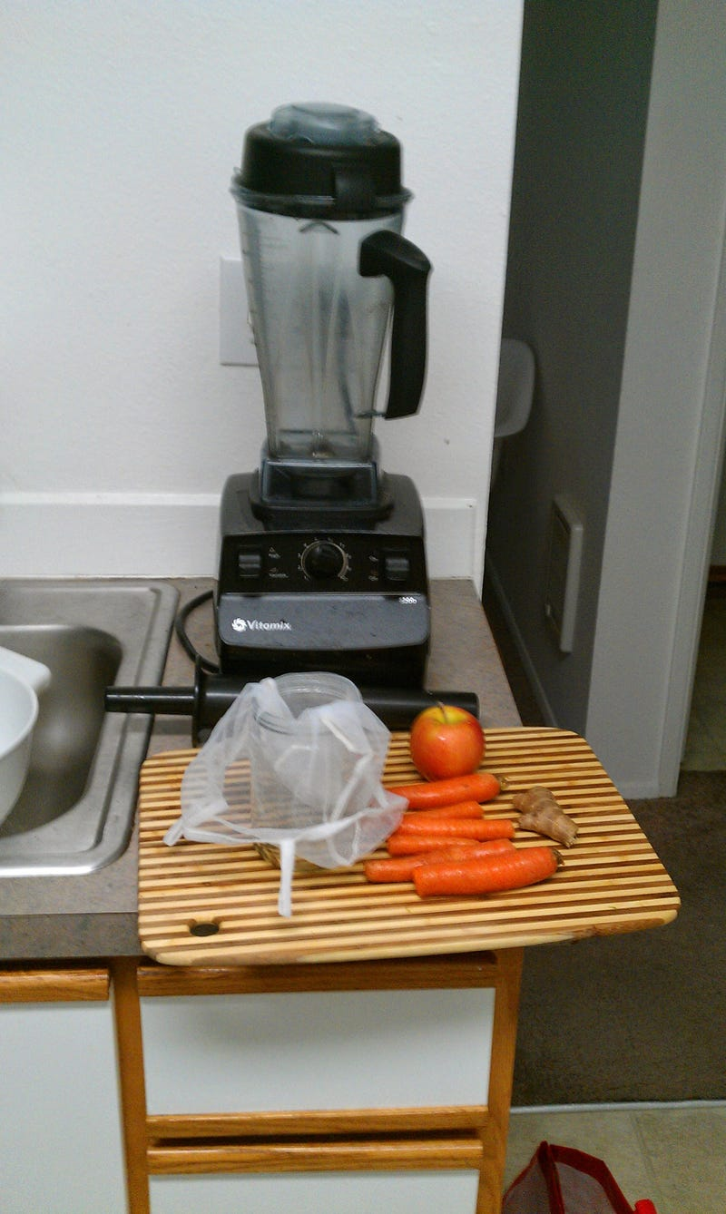 How to Juice Using a Blender
