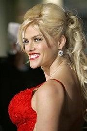 Anna Nicole Smith: The Paris Hilton Connection
