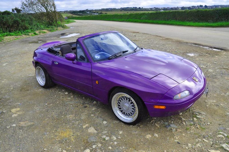 """How hard is it for someone 6'4"""" to fit inside a Miata?"""