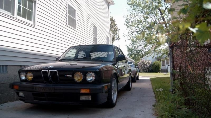 Living with a legend - My BMW E28 M5