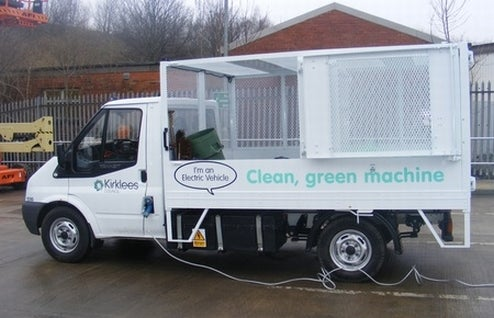 UK Electric Garbage Truck Powered By Own Garbage