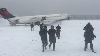 Giants TE Larry Donnell Was On Plane That Skidded Off Runway