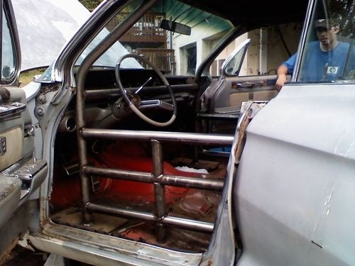 1961 Cadillac Prepares For 24 Hours Of LeMons