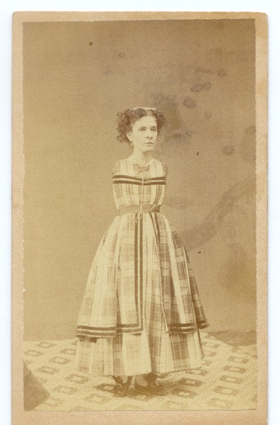 "Glamour shots of carnival ""freaks"" of the 1800s were oddly touching"