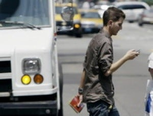 "Study Suggests There's a ""Texting While Walking"" Epidemic Too"