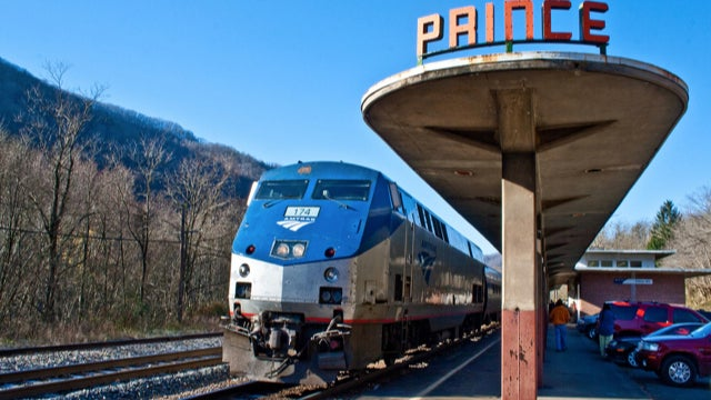 232 Amtrak Passengers Stranded On Train In Rural West Virginia Since Friday Night (UPDATE)