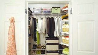 "Hang a ""Discard Bag"" in Your Closet to Regularly Declutter Clothes"