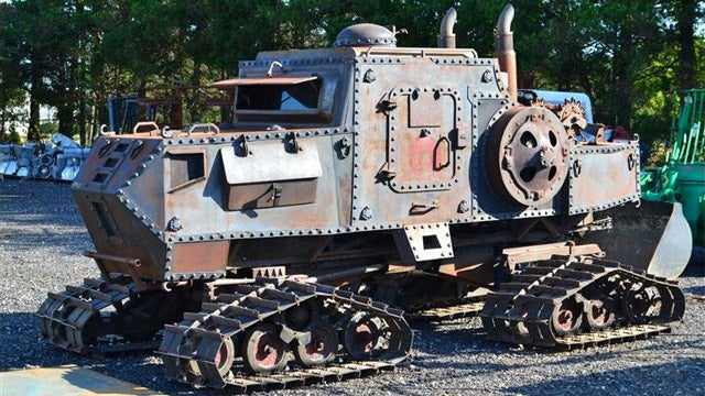 What is a New Jersey steelyard doing with a tank?