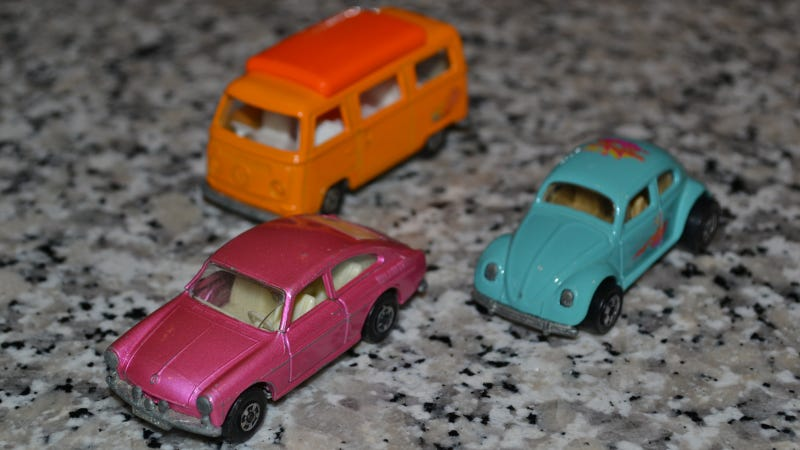 These Classic Volkswagens Aren't Ready To Hang Up The Beach Bummin'