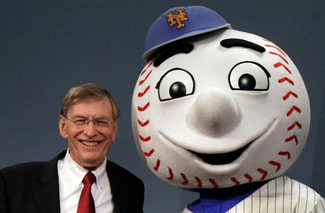 Bud Selig Pinky-Swears He'll Retire When His Contract Ends In 2014