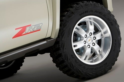 Chevy Silverado ZR2: Press Photos