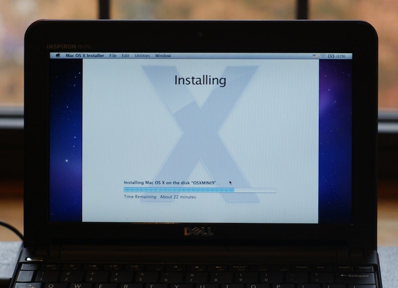How To: Hackintosh a Dell Mini 10v Into the Ultimate Snow Leopard Netbook