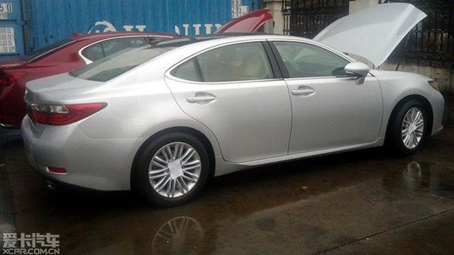 The 2013 Lexus ES: Now With Less Camry