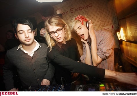Agyness Deyn DJ'd And Everybody Danced