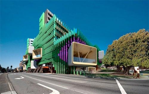 Australian Hospital Resembles Strange Outback-Dinosaur