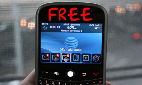 Dealzmodo: BlackBerry Bold Free at Walmart With Rebates