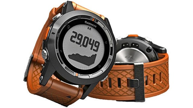 This Sensor-Packed GPS Watch Masquerades As a Stylish Timepiece