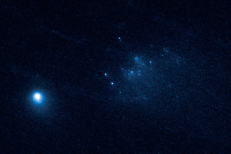 Our Best Glimpse Yet of a Disintegrating Comet