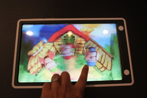 Sharp's Parallax Barrier Technology and 3D Camera Seen In the Flesh—and I Like