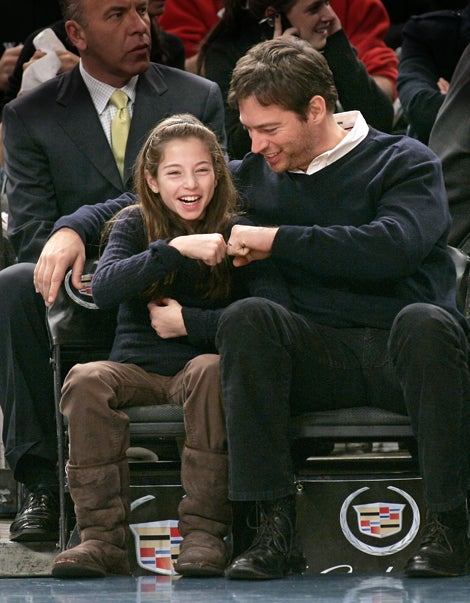 Score One For Dad! Harry Connick Jr. & Daughter At Knicks Game