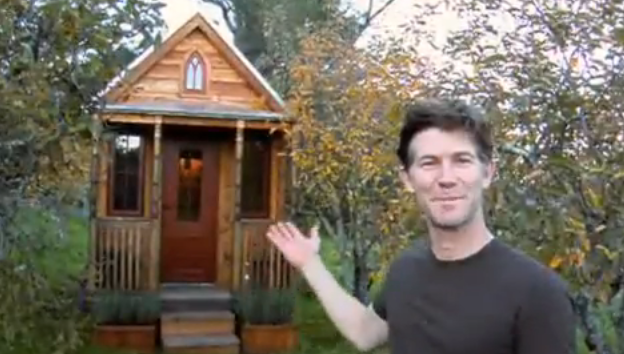 Full-Size Man Gives Tour of His Absurdly Tiny House