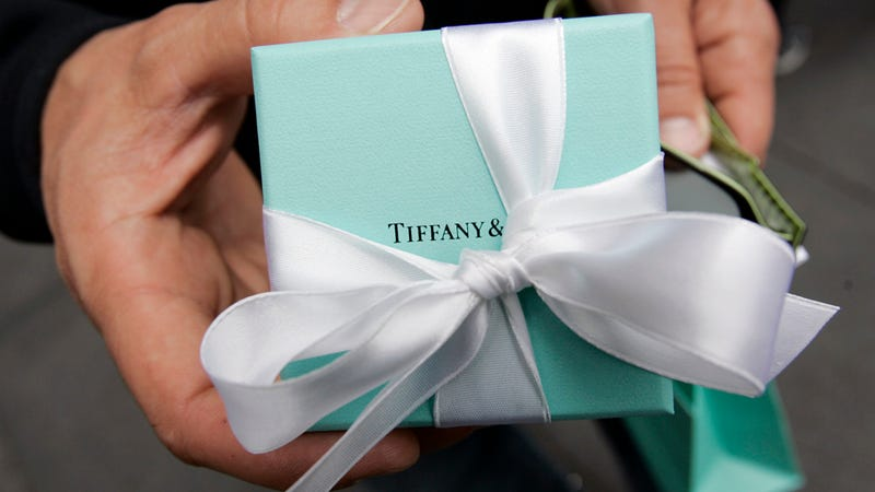 Former Tiffany Exec Arrested for Stealing Fuckload of Brilliant Jewels