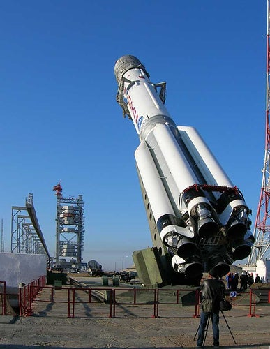 Giant Cold-War Era Russian Proton Rocket Successfully Launches Giant Satellite Into Space