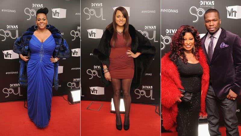 Glamour, Glitter, & Fingerless Gloves At VH1 Divas