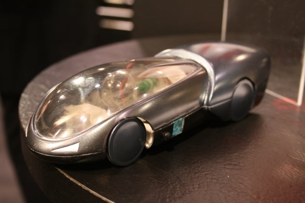 Hands On Batman Retrofuturetastic H2Go Fuel Cell-Powered RC Car