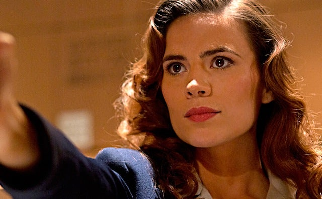 """Hayley Atwell's back in action in Marvel's newest short """"Agent Carter"""""""