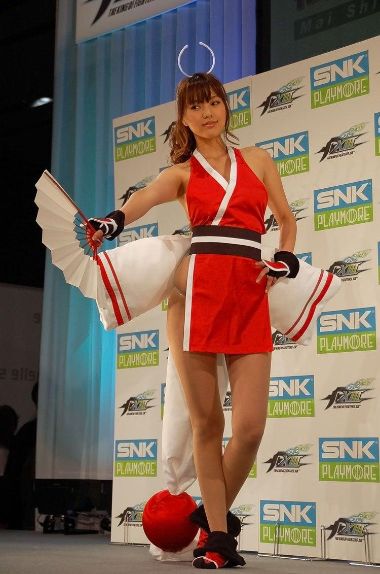 The Secret of Mai Shiranui's Revealing Outfit?