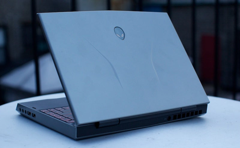 Alienware M11x Review: Gaming's New Featherweight Division
