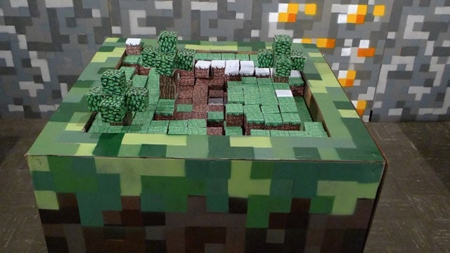 "This Minecraft ""Board Game"" Looks Awesome"