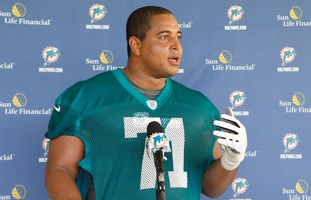 People Keep Tweeting Hate And Support At The Wrong Jonathan Martin